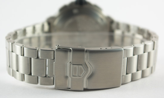 Focus on silver strap of TAG Heuer Formula 1